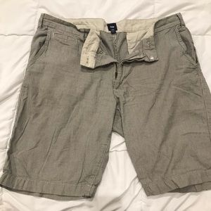 Men's shorts Sz 35 Gap